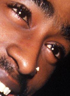 Face of an Rap Artist Tupac Photos, Tupac Pictures, Tupac Wallpaper, Rap Wallpaper, 2pac Makaveli, Tupac Videos, Rapper, Krs One, Estilo Hip Hop