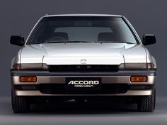 Honda Accord AeroDeck – The third-generation Accord was sold in Japan and Europe as a three-door hatchback with a flat roof over the rear seats, known in Europe as a shooting-brake. It was offered only in Japan and Europe. Classic Japanese Cars, Classic Cars, Honda Accord Sport, Car Facts, Honda Civic Hatchback, Honda Motors, Honda Prelude, Honda Cars, Motorcycle Design