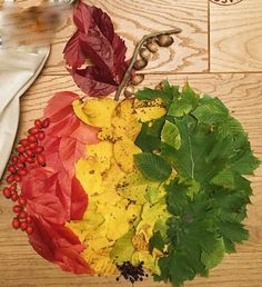Jablko - listy Fall Crafts, Diy And Crafts, Crafts For Kids, Arts And Crafts, Autumn Activities For Kids, Fall Preschool, School Art Projects, Diy Projects To Try, Kids Art Class