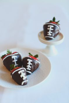 Football inspired strawberries / Photography By / http://hellolovephoto.com,Florals By / http://petalfloraldesign.com/
