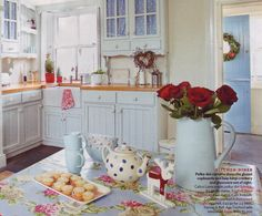 DIY Shabby Kitchen Decor Ideas That Will Add Value To Any Home Do you consider yourself to be an expert in home improvement? Can you tackle some of the biggest and most complex projects in your own home? Cute Kitchen, Country Kitchen, New Kitchen, Vintage Kitchen, Kitchen Dining, Kitchen Decor, Kitchen Small, Kitchen Shelves, Kitchen Designs