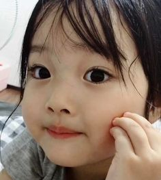 Prin, age The age she was when their mother died. Cute Asian Babies, Korean Babies, Asian Kids, Cute Babies, Kids Girls, Baby Kids, Ulzzang Kids, Kwon Yul, Cute Little Baby