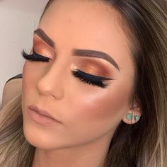 Outstanding makeup guide information are offered on our internet site. Eye Makeup Cut Crease, Eye Makeup Art, Love Makeup, Simple Makeup, Makeup Inspo, Beauty Makeup, Makeup Looks, Hair Makeup, Natural Wedding Makeup