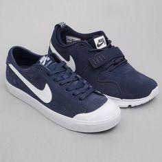 Nike Trainerendor & Nike Zoom All Court Cory Kennedy. Available et HawaiiSurf Shop. @nikesb @nike #skateboard #skateboarding #skate #shoes #sneakers #sneakerhead #sneakernews #sneakerporn #kicks #kicksonfire #kickstagram