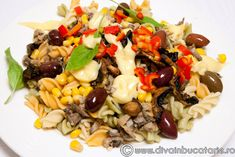 salata-de-paste-cu-ton-1 Pasta Salad, Cobb Salad, Paste, Grains, Food And Drink, Rice, Ethnic Recipes, Crab Pasta Salad, Seeds