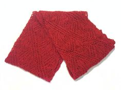 Red Ladies Wool Shawl from 100% pure new Icelandic wool.