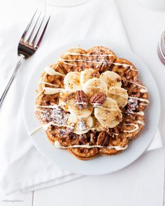 Banana Oat Waffles with Pecan Nuts and some sugar-free White Chocolate using all-natural Ingredients and no Sugar