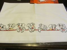 la carica dei 101 di Anna Maria Needle And Thread, Embroidery, Animals, Embroidery Ideas, Baby Things, Ideas, Flannels, Bed Covers, Nun