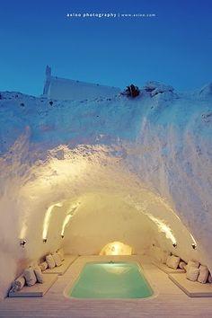 Caverna banheira de hidromassagem, Santorini, Grécia