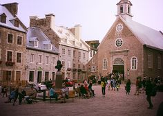 Looking for a great activity in Quebec city?Take a free walking tour of Quebec city !The Europe charm for free!