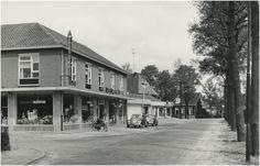 Nuenen, Voirt, gezien richting Parkstraat, ter hoogte van Marijkestraat. Links Spar Supermarkt Jos Pé (fotograaf) 1962