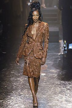 Jean Paul Gaultier Spring 2005 Couture Fashion Show - Naomi Campbell (Marilyn)