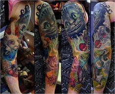 Alice in wonderland tattoo sleeve * half sleeve tattoo site Trendy Tattoos, Popular Tattoos, Tattoos For Women, Tattoos For Guys, Cool Tattoos, Tatoos, Quarter Sleeve Tattoos, Arm Sleeve Tattoos, Disney Tattoos