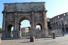 Pelo que estou entendendo com minhas viagens, as cidades famosas gostavam de construir exuberantes arcos para registrar o triunfo de suas vitórias. Eles narram através das esculturas nas suas paredes como tudo ocorreu.
