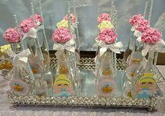 #água personalizada com o tema #Cinderela da Marcia Colonese e festa realizada no Buffet Miniland   #Minilandbuffet #buffetminiland