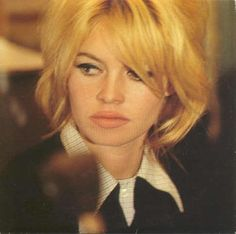 for those who admire Brigitte Bardot's style. Brigitte Bardot, Bridget Bardot, Most Beautiful Faces, Beautiful People, Classic Actresses, French Actress, Norma Jeane, Queen, Hollywood Glamour