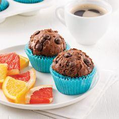 Muffins aux avocats et cacao - Les recettes de Caty Muffins Au Quinoa, Quinoa Soufflé, Cacao, Muffin Recipes, Scones, I Foods, Biscuits, Lunch, Sugar