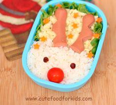 El arroz es uno de los platos más socorridos para cocinar a los pequeños de la casa. Si estás cansado de prepararlo siempre de la misma forma, no puedes perderte estas tres ideas navideñas con un claro protagonista: Rudolf.