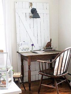 The Willow Farmhouse | Instagram | Desk Area