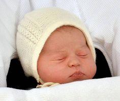 Princess Of Cambridge's Name Revealed - Kate Middleton Gives Birth To Princess Charlotte Elizabeth Diana