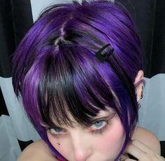 Dye My Hair, New Hair, Hair Inspo, Hair Inspiration, Mode Grunge, Hair Streaks, Color Streaks, Mode Kpop, Hair Color And Cut