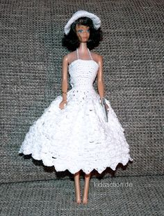 The page contains several crochet patterns for your fashion doll (german lang.)