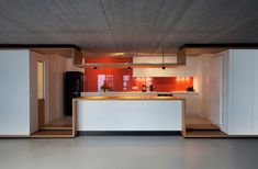 love the lines in this kitchen, not sure about the smeg - think it would have looked better integrated