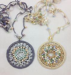 #gioiellitessili #collane all #uncinetto con #medaglione con  sfere di cristallo multi color.