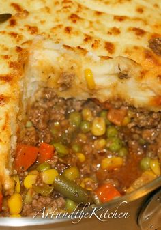 Super Shepherd's Pie  hy should you make it – This is the ultimate comfort food for your kids which is not only filling, but also packed with fiber and nutrients. It contains the goodness of green beans, peas, corn and veggies topped with mashed potatoes and creamy cheese.