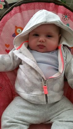 Support Juliette as the Cutest Baby October 2015 and help them win cash prizes.