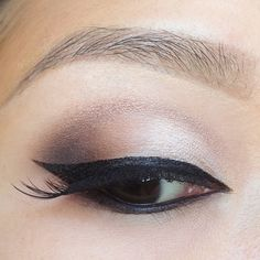 Outer V eyeshadow on Asian eyes using Urban Decay Naked 3