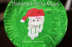 Handprint Santa Claus - love this site! Christmas Arts And Crafts, Santa Crafts, Holiday Crafts For Kids, Preschool Christmas, Christmas Activities, Halloween Crafts, Cute Kids Crafts, Daycare Crafts, Toddler Crafts