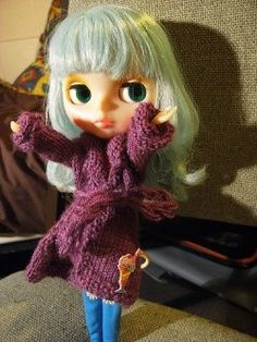 Free patterns for Blythe- lots here if you follow the links. I'm hoping they'll fit Lalaloopsy