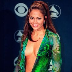 Top Jennifer Lopez Hairstyles Of All Times - Page 2 of 15 - Hairstyles Ideas Jennifer Lopez, Hair Trends, All About Time, Sporty, Hairstyles, Turquoise, Times, Pretty, Beauty