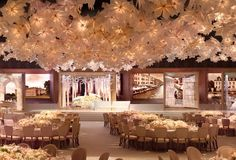 Ideas, Inspiration and Photos for decorating wedding reception tables Wedding Reception Tables, Reception Rooms, Wedding Events, Party Wedding, Dream Wedding, Indian Wedding Stage, Canopy Lights, Light Canopy, Island Weddings