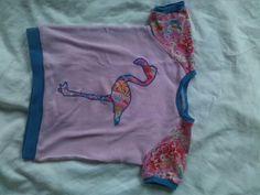 Raglan T-Shirt gr 92 mit Flamingo Applikation Raglan T-shirt, Apron, Shirts, Flamingo, Fashion, Appliques, Flamingo Bird, Moda, Fashion Styles
