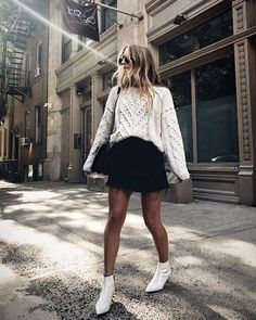 13 beautiful outfits with white ankle boots - Outfit Spring Outfits, Trendy Outfits, Cute Outfits, Fashion Outfits, Look Fashion, Autumn Fashion, White Ankle Boots, Booties Outfit, Look Chic