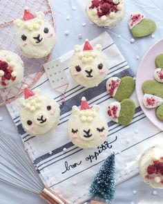 Lovely Llama Crafts, Printables, SVG's DIY's, Food and Gift Ideas: Christmas Llama Cupcakes from 16th Birthday Gifts, Personalized Birthday Gifts, Birthday Gifts For Kids, Sweet 16 Birthday, Birthday Diy, Birthday Parties, Birthday Ideas, Creative Cake Decorating, Creative Cakes