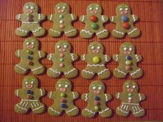 Mézeskalács emberke Gingerbread Cookies, Desserts, Recipes, Food, Gingerbread Cupcakes, Tailgate Desserts, Deserts, Essen, Postres