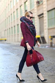 At Hello Fashion Forever, we provide a large collection of women's casual fashion outfits & accessories at great prices in Canada and Germany. Check out our various styles of clothes footwear, rings, earrings and bracelets!