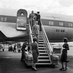 Konstadinos Karamanlis 1959 Zurïch airport Olympic airways Greece Olympic Airlines, Greece History, Aircraft Pictures, Jet Plane, Airplane, Olympics, Retro, Vintage, Planes
