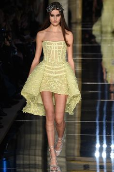 Zuhair Murad Frühjahr/Sommer 2016 Haute Couture - Fashion Shows Haute Couture Paris, Spring Couture, Haute Couture Fashion, Spring Fashion Trends, Runway Fashion, Fashion Show, Paris Fashion, Couture Looks, Style Couture