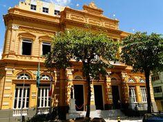 Palácio Rio Branco na praça Dom Pedro I.