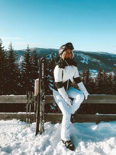 Looks para esquiar com muito estilo Moda Ski, Ski Fashion, Arab Fashion, Sporty Fashion, Sporty Chic, Fashion Spring, Winter Fashion, Snow Pictures, Ski Vacation