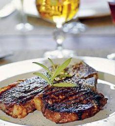 T-luupihvin paisto-ohje Steak, Pork, Recipes, Kale Stir Fry, Recipies, Steaks, Ripped Recipes, Pork Chops, Cooking Recipes