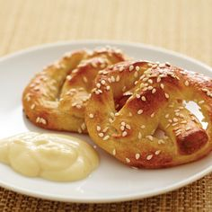 Mini Soft Pretzels With Honey-Mustard Dip - The Pampered Chef® https://www.pamperedchef.com/pws/jaceyvr