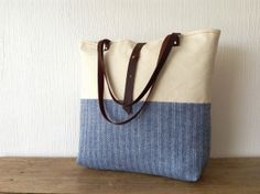 Canvas Tote bag with leather handles and blue herringbone wool - Blue and white