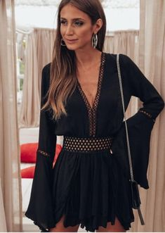 Bell Sleeves, Bell Sleeve Top, Shorts, Jasmine, Ideias Fashion, Women, Cute Summer Outfits, Short Jumpsuit, Lace Detail