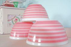 Pretty Pink Pyrex bowls....vintage pink