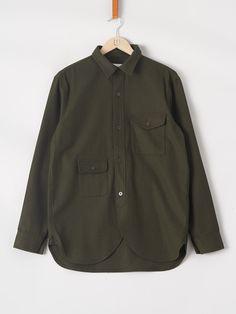 Wool Army Shirt i Green fra HAN KJØBENHAVN | På stvalentinshop.dk finder du et stort udvalg fra Han Kjøbenhavn's AW16 kollektion | Dag-til-Dag Levering